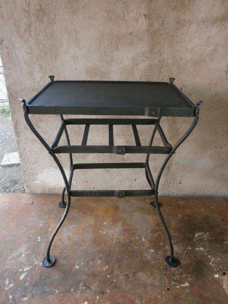 Kovaný stolek